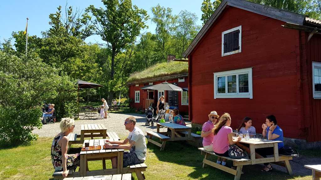 Ein hübsches Café findet sich ebenfalls bei der Schlossruine Kronoberg im schwedischen Smaland.