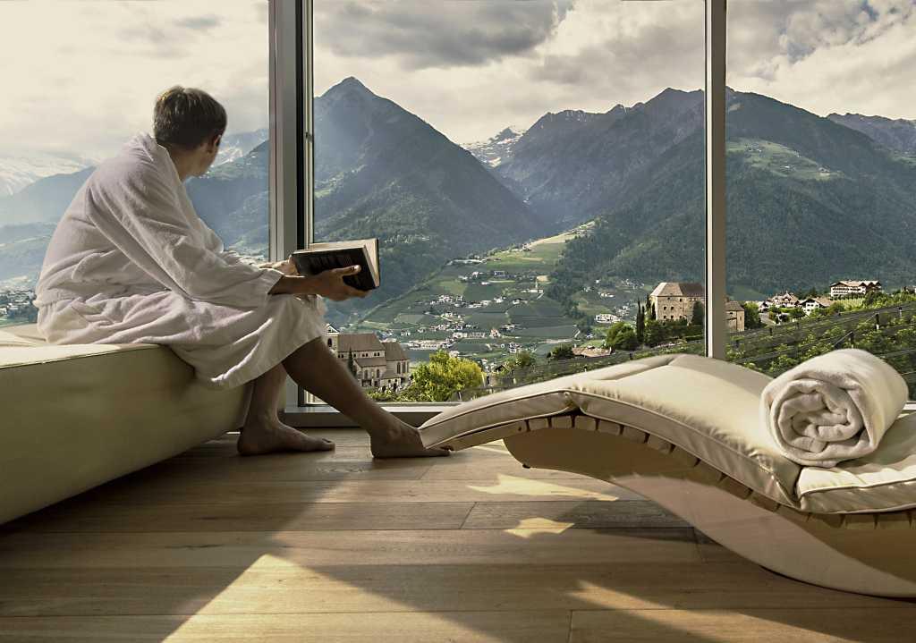 Die Ruheräume im VistaSpa mit Panoramablick.