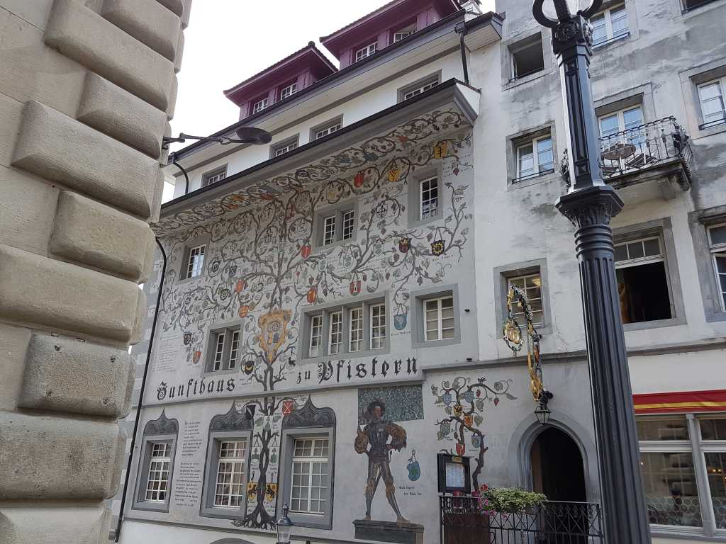 Fresken in Luzern, Schweiz