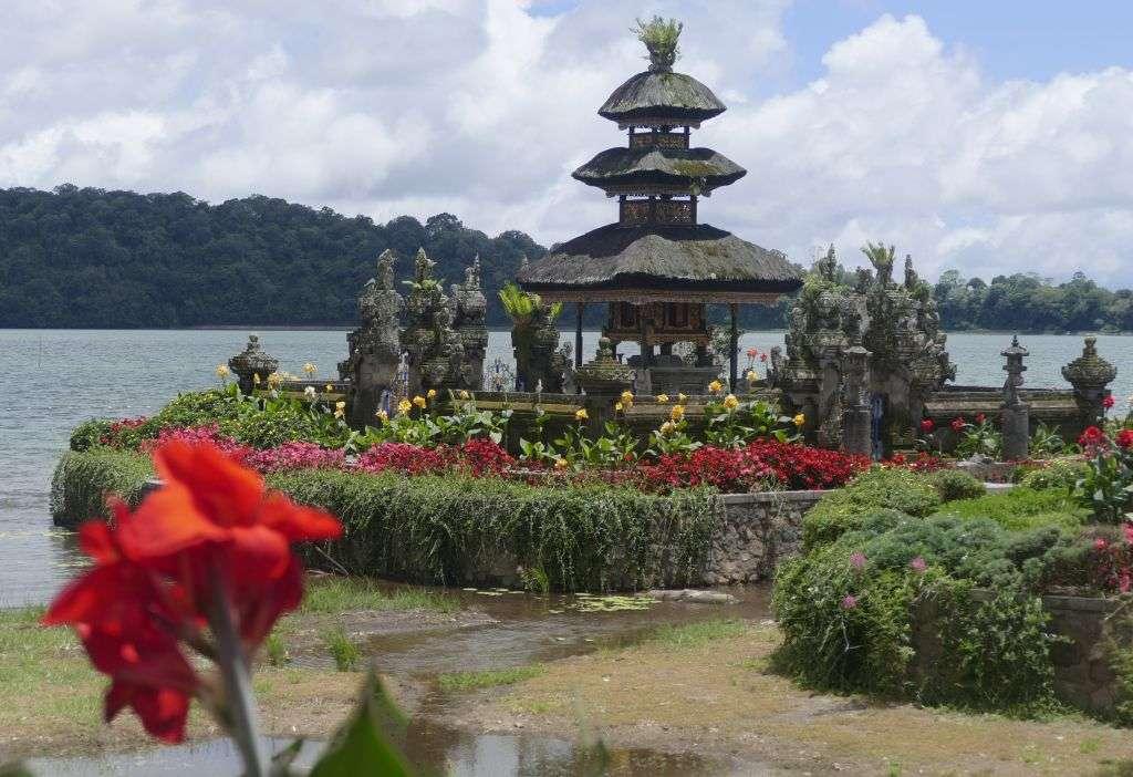 der Tempel Ulu Watu auf Bali.