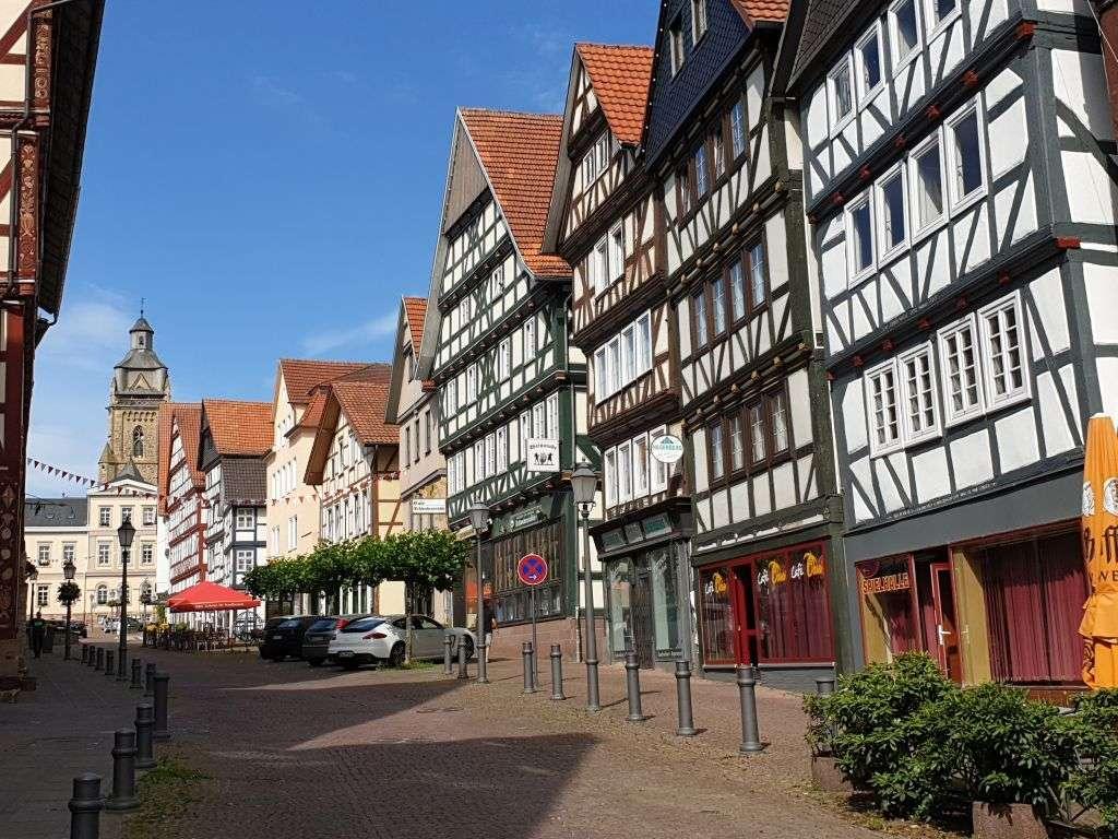 das hübsche Fachwerkstädtchen Bad Wildungen mit seiner Altstadt.
