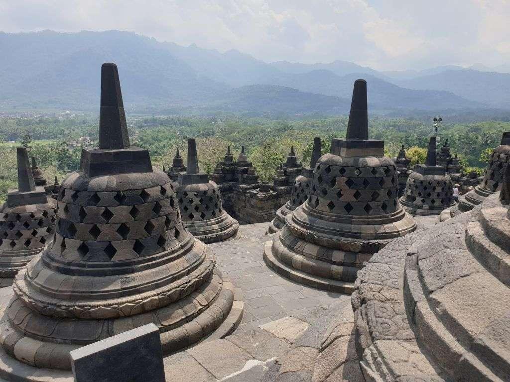 Auf Java: die Stufenpyramide Borobudur, ein Erbe der Menschheit.