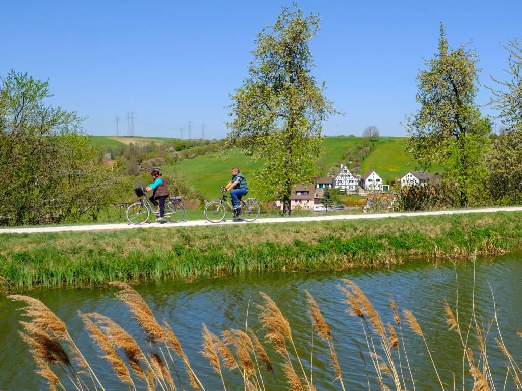 Radfahren am Ludwig-Donau-Main-Kanal