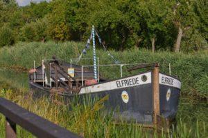 "das Treidelschiff ""Elfriede"" auf dem Ludwig-Donau-Main-Kanal"