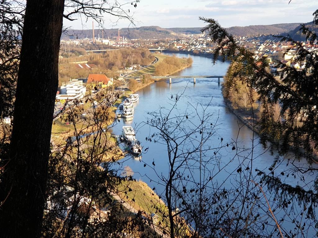 Radfahren am Ludwigkanal in Bayern