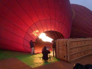Teurer Spaß, aber ein unvergessliches Erlebnis: eine Ballonfahrt über Bagan in Myanmar