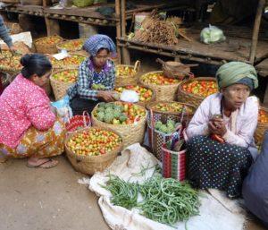 auf dem Markt von Bagan in Myanmar