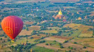 Ballonflug über Bagan in Myanmar