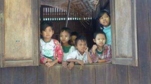 Eine Schule im ländlichen Myanmar.