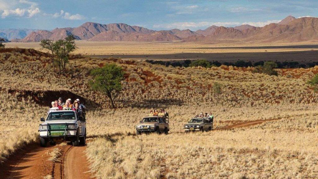 Fahrt Richtung Sossusvlei in der Namib, Namibia